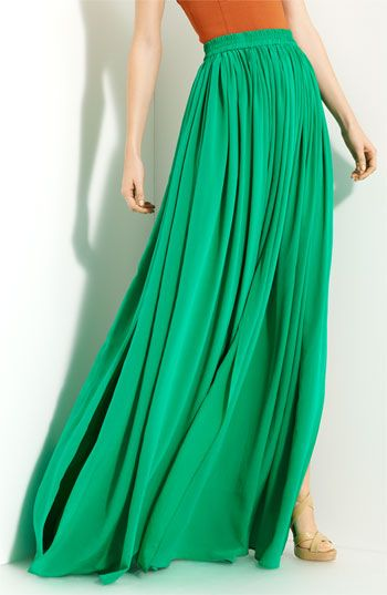 Pleated maxi skirt. Loving!