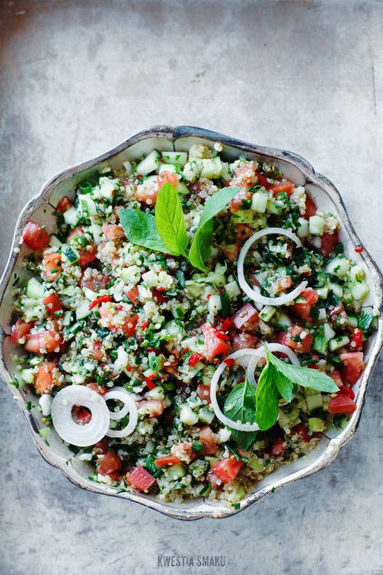 """Tabbouleh"" with quinoa (quinoa), and chili"