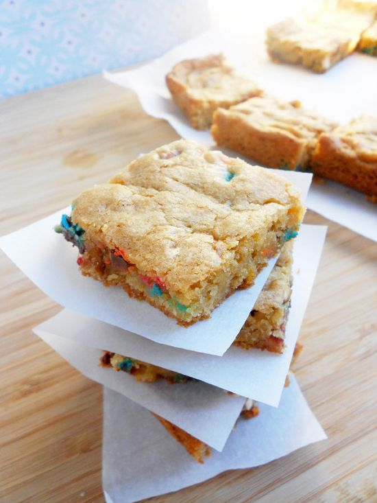 Sweet and Salty M Pretzel Bars