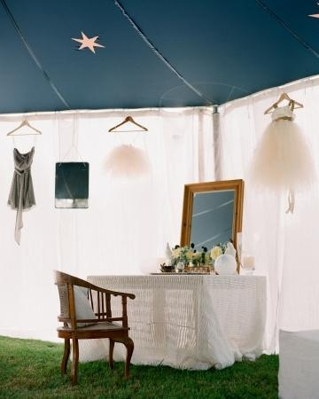 "Tented bridal ""suite\"" for an outdoor wedding"
