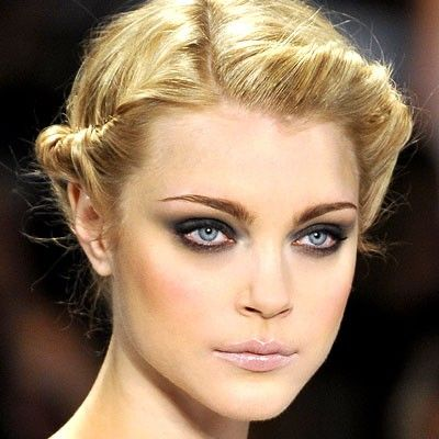 Easy Updo hairstyles video tutorial. Learn how to do easy updo hairstyles at home with the video in the page.