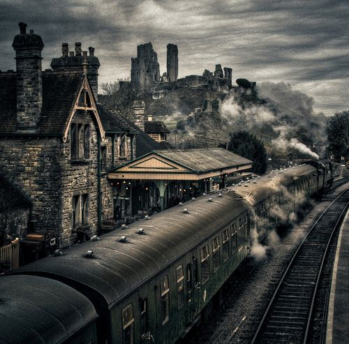 Corfe Castle, Dorset, England  photo via imet