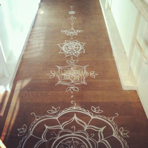 Henna floor design