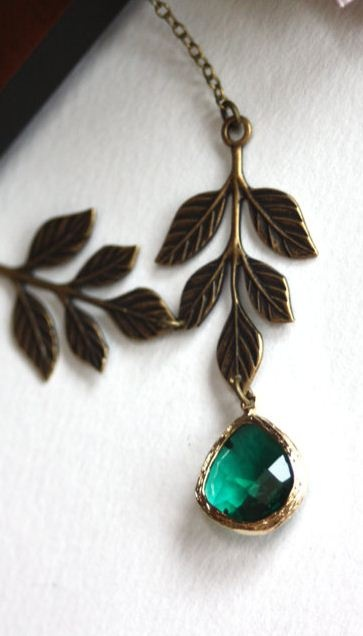 gorgeous emerald green #coloroftheyear