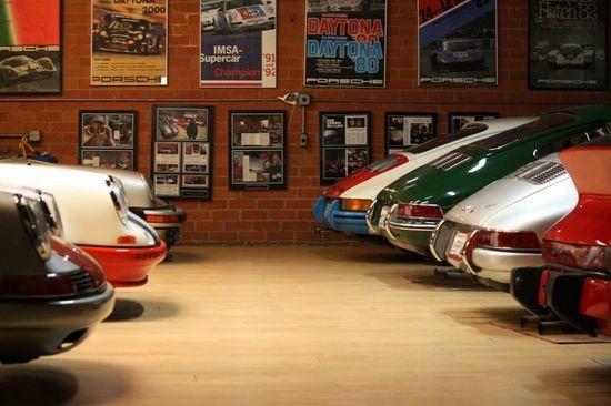 Porsche Garage...very nice