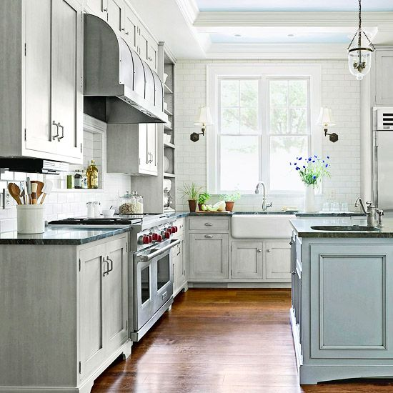love this paint color for cabinets - gray/blue