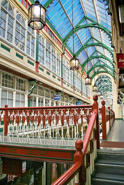Shopping - Castle Arcade - Cardiff, Wales