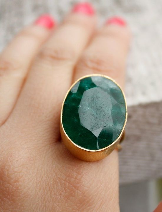 A fun, statement making cocktail ring #pantone #emerald #green #2013