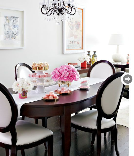Minimalist dining room {PHOTO: Virginia Macdonald}