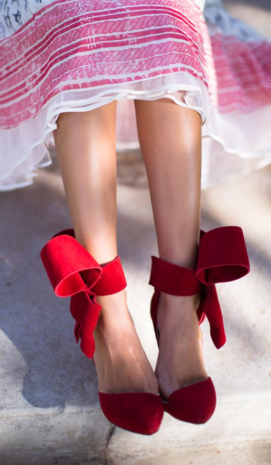 In love with these bow heels