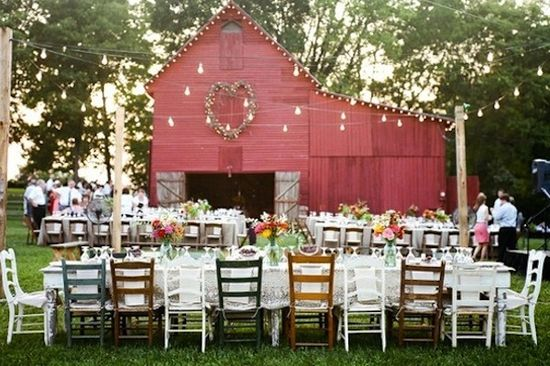 as you can tell, im into the barn weddings! ha