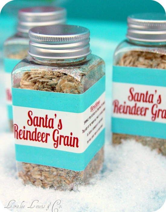 Santas Reindeer Grain - Sprinkle this outside on Christmas Eve night. The light of the moon will make it sparkle bright. As Santa's reindeer fly and roam, this will guide them to your home! (poem from Loralee Lewis, via, via...)