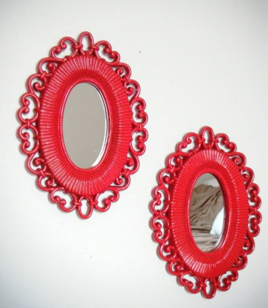 Oval Vintage Mirrors Set - Cherry Red