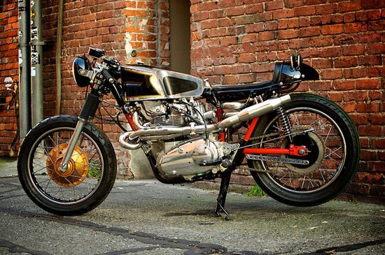 Trident CafeRacer