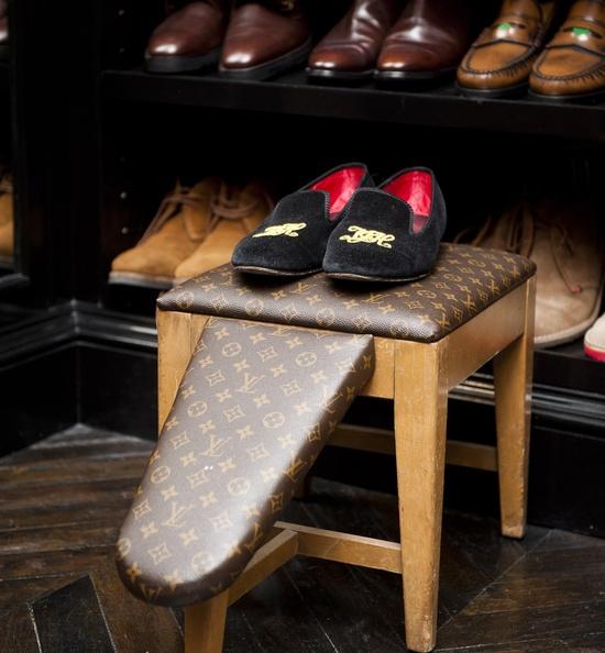 haus and home tommy hilfiger 39 s closet. Black Bedroom Furniture Sets. Home Design Ideas
