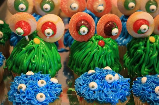 Cupcakes at a Monster Party #monsterparty #cupcakes