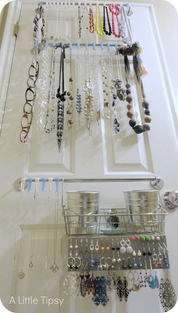 Love this DIY Jewelry Organizer from @Michelle Barneck {A Little Tipsy}