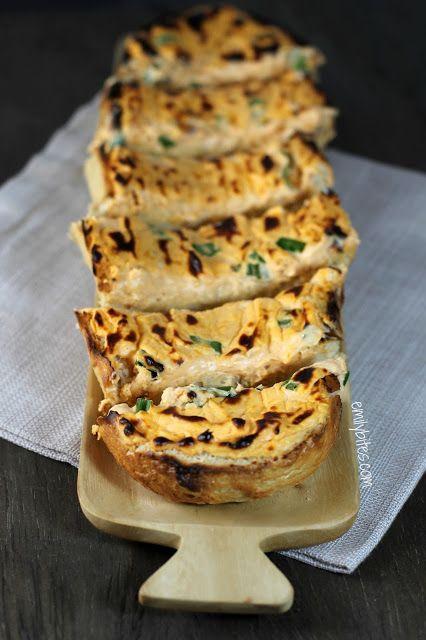 Emily Bites - Weight Watchers Friendly Recipes: Buffalo Cheese Bread