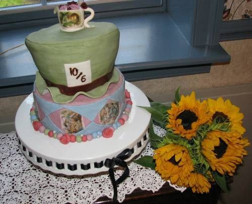 Alice themed wedding cake - COOKING