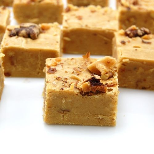 Rich, sweet, delicious Pumpkin Nut Fudge. #fudge #pumpkin #candy #nut #food #cooking #baking #dessert #fall #autumn #Thanksgiving