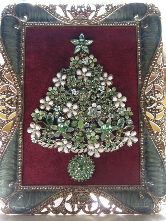 Vintage Framed Jewelry Christmas Tree