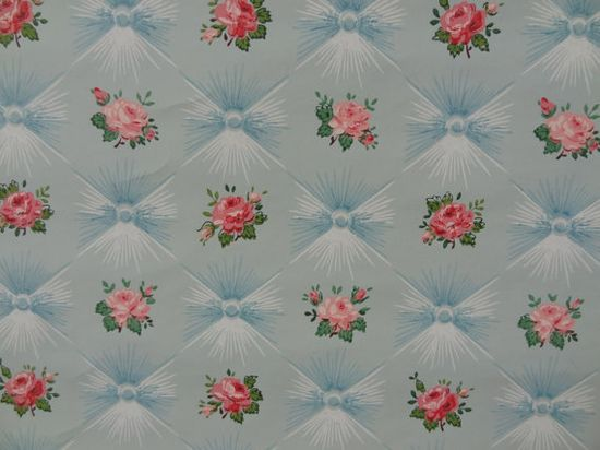 Love that quilted, pillowtop background!!