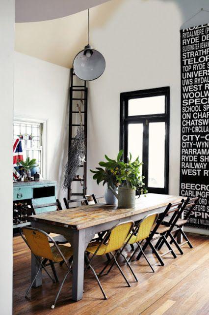 High ceilings, dark trim, industrial style #oldhouseideas