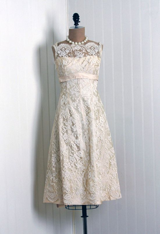 1950s Saks Fifth Avenue label Chantilly lace dress.  Perfect vintage wedding dress. #1950s