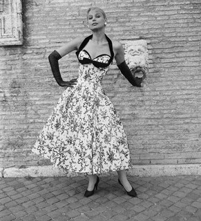 So alluring beautiful! #vintage #fashion #1950s