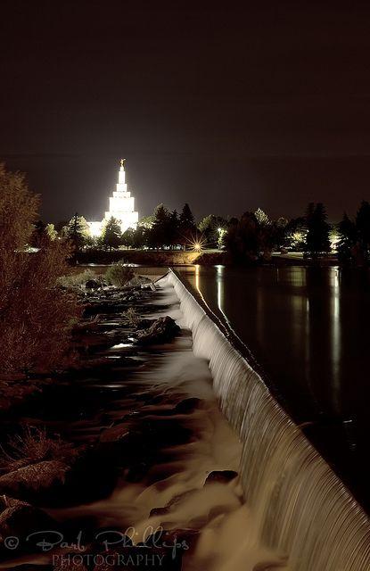 Idaho Falls at night.