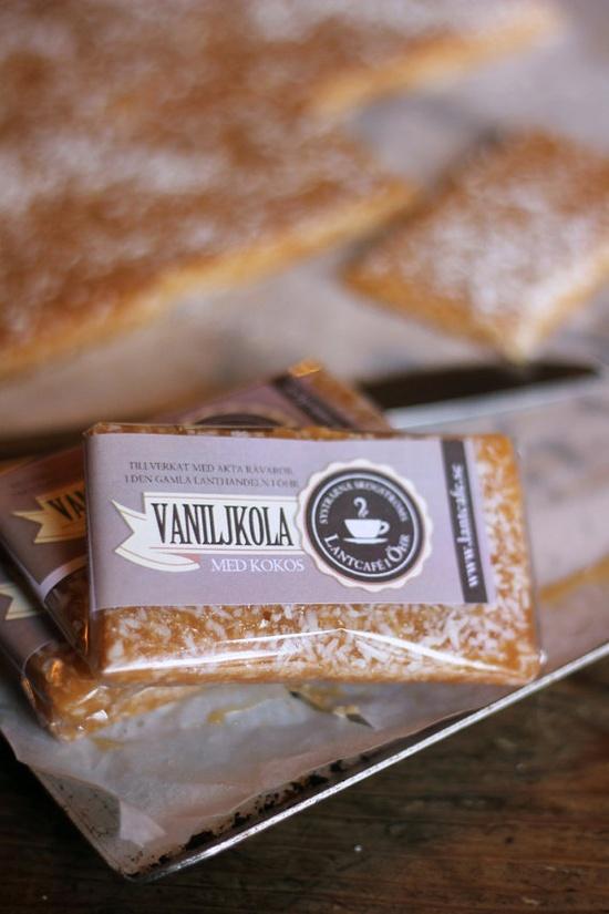 Vaniljkola med kokos from Systrarna Skogströms Lantcafe i Öhr - NOW on Etsy, kr25.00