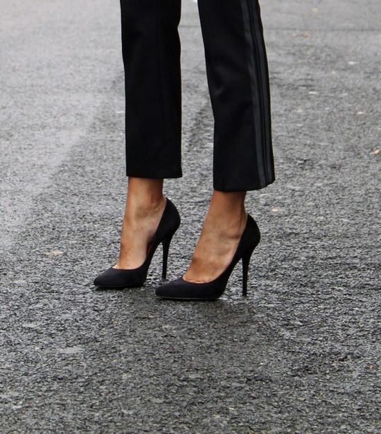 black crops & pumps
