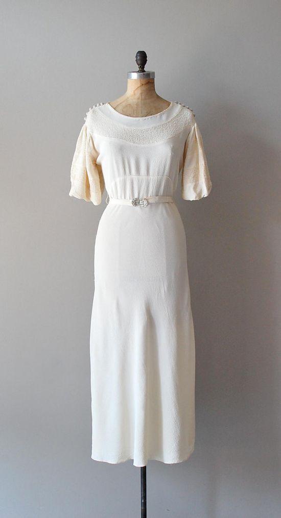 vintage 1930s Begin The Beguine dress     #vintagewedding #1930s