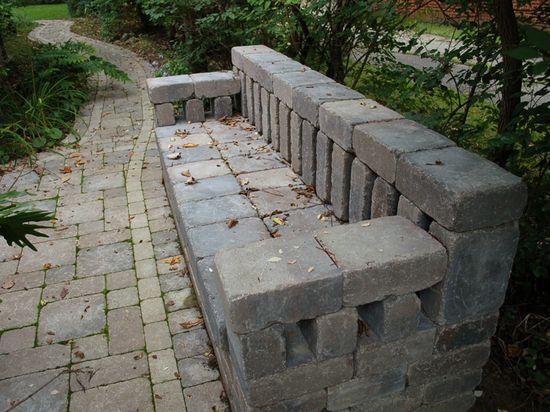 Пейка от бетонни блокчета или тухли