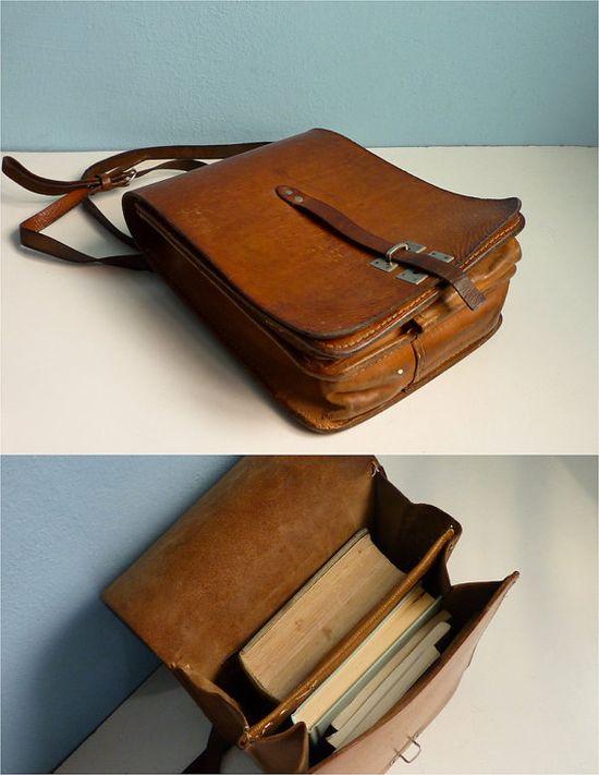 vintage leather messenger bag brown distressed.
