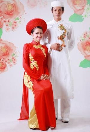 I love the simplicity of this wedding Ao Dai