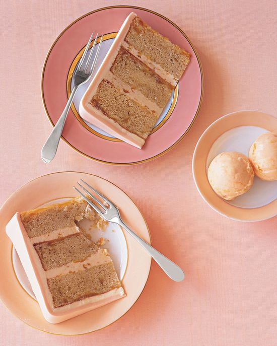 Just the ticket of an elegant summertime tea party: Peaches and Cream Cake and Ice Cream. #food #peaches #cake #ice #cream #icecream #fruit #dessert