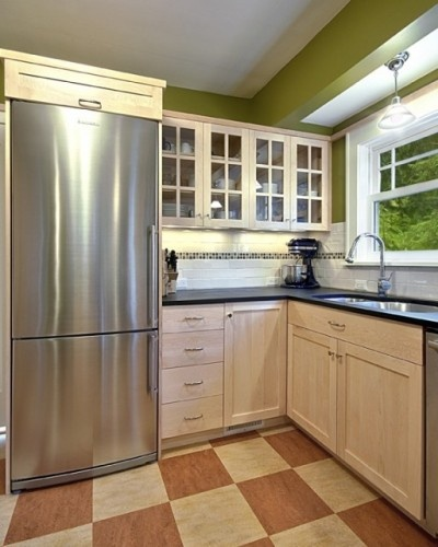 Birch cabinets with green header