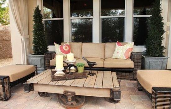 Creative Pallet Furniture Plans: Upcycled Wood Pallet Table Furniture With Metal Wheels ~ lanewstalk.com Indoor Furniture Inspiration