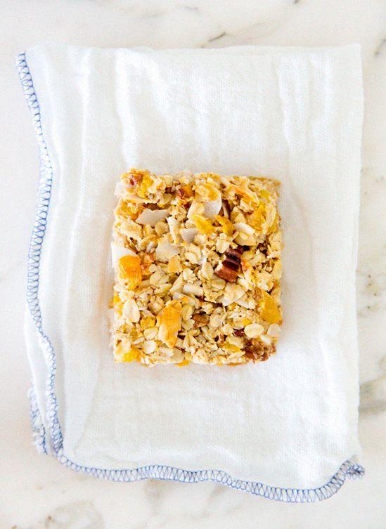Apricot pecan breakfastbars