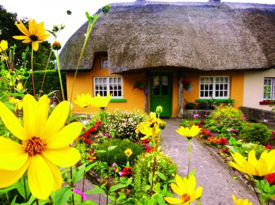 Ireland - From Castles to Cottages