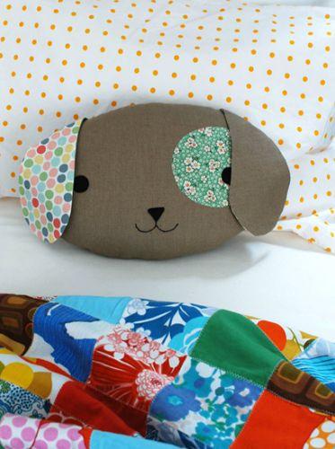 Sew a Cute Puppy Pillow Softie (via Crafttuts)