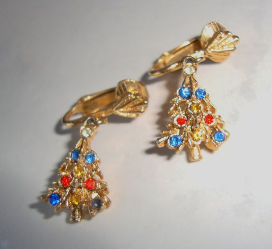 Vintage Christmas Tree Earrings with by WintervilleWonders on Etsy, $10.00