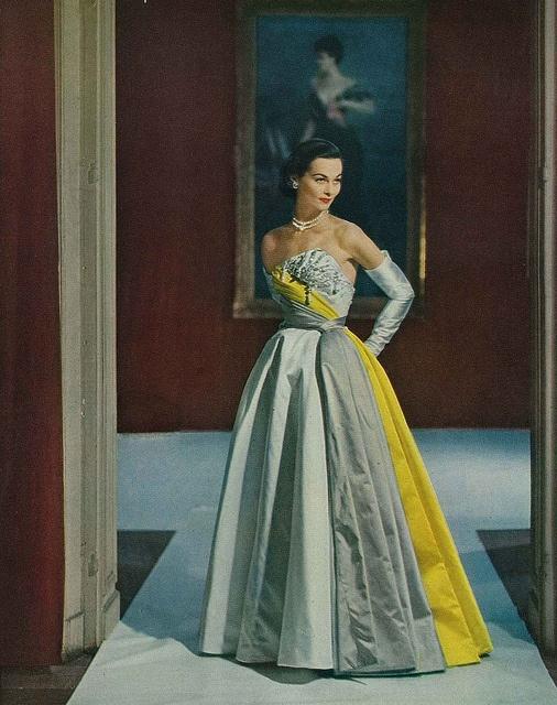 Sublimely elegant. #vintage #1950s #dress #fashion