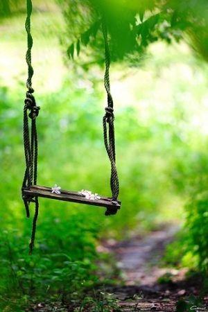 English Garden - vintage garden swing