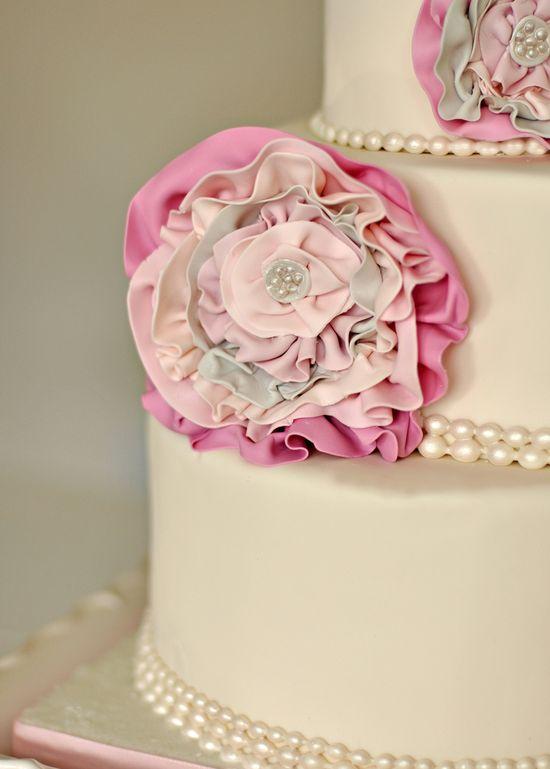 pretty bridal shower cake