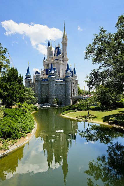 Cinderella's Castle, Walt Disney World, Florida www.stopsleepgo.c...