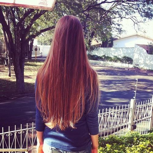 looooong straight hair!
