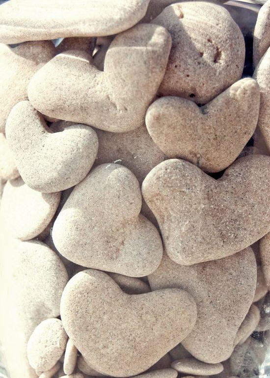 heart beach stones