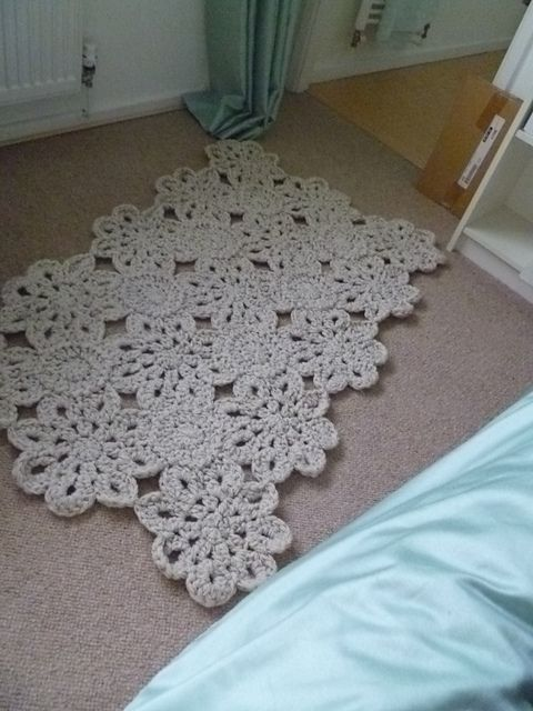crochet rug made with three strands and a #10 hook